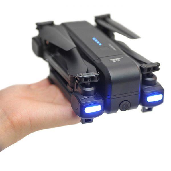 کوادکوپتر دوربین دار SJRC Z5 به همراه نمایی از چراغ های LED برای پرواز در شب
